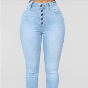 Blue jeans high waisted